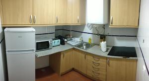 A kitchen or kitchenette at Casa da Avó Alsira 2