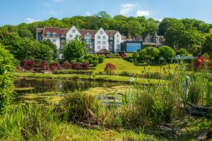 Doubletree by hilton bristol south cadbury house yatton - Cheddar gorge hotels with swimming pools ...