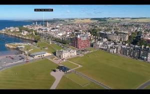 Ptičja perspektiva objekta 30B The Scores - 2018 luxury sea view apartment