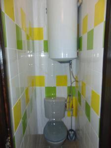 Ванная комната в Apartment on Sobornyi avenue 133