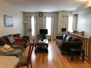 2-Bedroom Toronto Rental (Eglinton & Avenue Rd.)