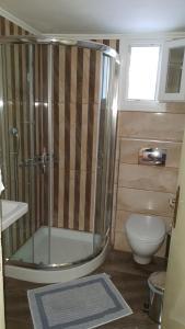 A bathroom at Maria & Kyros House