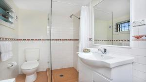 A bathroom at Private One Bedroom Retreat in Annandale - ANDLE
