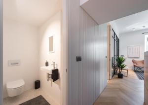 A bathroom at Apartments Rog