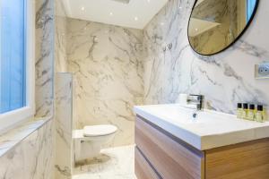 Salle de bains dans l'établissement CMG Saint Germain / Jardin du Luxembourg II