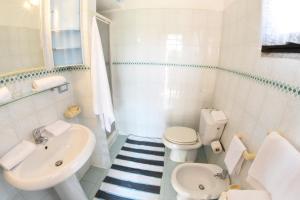 A bathroom at Appartamento Rita