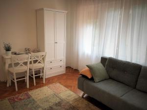 A seating area at Apartment Ilija