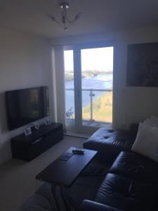 A television and/or entertainment center at Harbour view