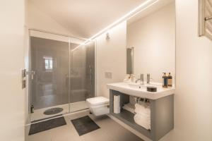 Vannituba majutusasutuses Santa Justa 77 - Downtown Luxury Apartments