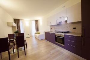 Ett kök eller pentry på Residenza Agnello D'Oro