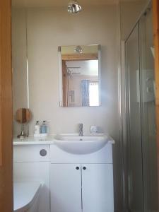 A bathroom at Heather Bank