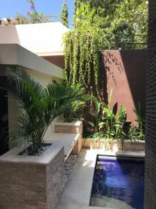 The swimming pool at or close to Villa Anyelir