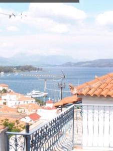 Sea view house on Poros