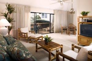 A seating area at Castle Kaha Lani Resort