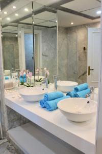 A bathroom at Gray Dàlbion