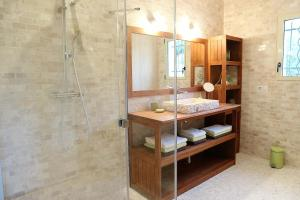 A bathroom at Jet d'eau
