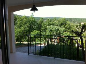 A balcony or terrace at Mas des Grives