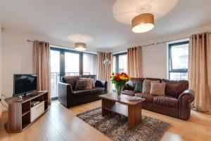 A seating area at Base Serviced Apartments - East Village