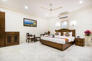 Hotels Delhi Public School, R  K  Puram