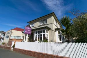 Kiwis Nest Backpackers and Budget Accommodation