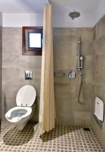 Ένα μπάνιο στο Hotel Korali