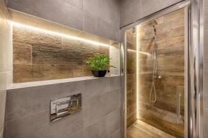 A bathroom at Subaciaus19
