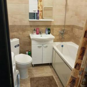 Ванная комната в Apartment on Kastanovaya 11