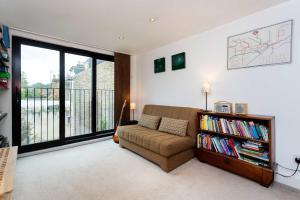 A seating area at Veeve - Highbury Harmony