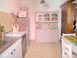 Cuisine ou kitchenette dans l'établissement Au Bon Séjour