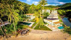 A bird's-eye view of Exclusive Beachfront Villa