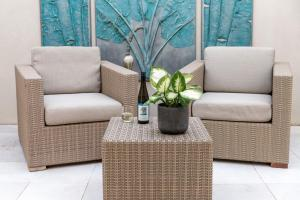 A seating area at Constellation Apartments