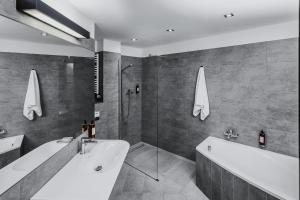 A bathroom at Lwowska 1