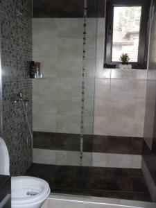 A bathroom at VIP Apartaments Galina