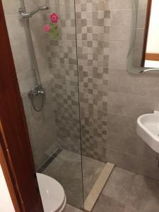 A bathroom at Apartments Tatijana