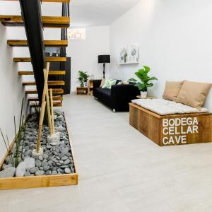 """""""La Bodega"""": casa rural y moderna de diseño"""