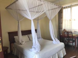 Tourist Inn