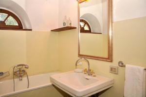 Bagno di Arezzo Villa Sleeps 18 Air Con
