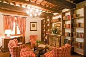 Area soggiorno di Arezzo Villa Sleeps 12 Pool Air Con WiFi