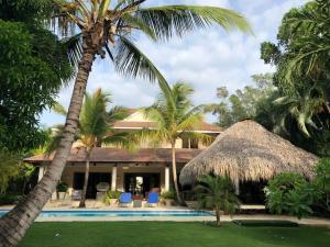 calle los cocos tortuga bay punta cana vila buenos aires