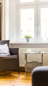 A seating area at Berlinappart - Prenzlauer Berg Apartment