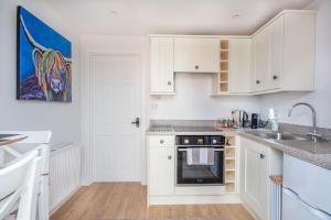 A kitchen or kitchenette at Hayloft