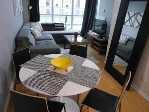 1BR in the Heart of the City!