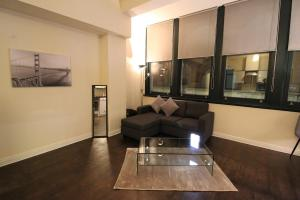 A seating area at Central Northern Quarter Apartment