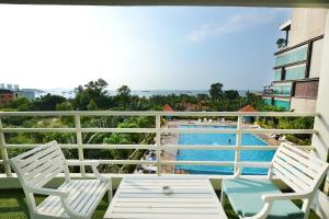 The swimming pool at or near The Best of view talay 6