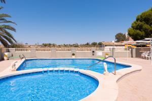 Kolam renang di atau dekat dengan Apartment El Drac