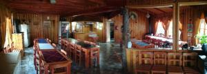 The lounge or bar area at Cabanas San Gabriel