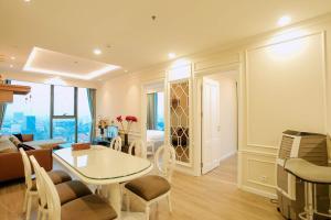 Luxury apartment 3BR -Artemis 5* Hanoi City View