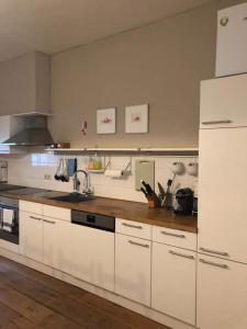 A kitchen or kitchenette at Apartment in Historic Centre