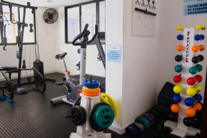The fitness center and/or fitness facilities at Apartamentos Cézanne
