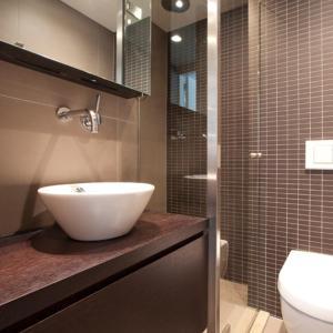 Ein Badezimmer in der Unterkunft Charles Apartments